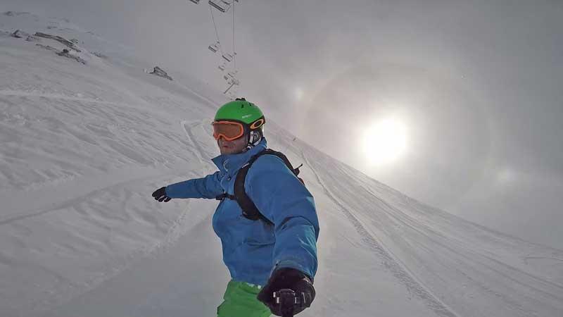 nieve polvo y anillo solar